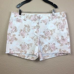 Ann Taylor White Rose Print Short